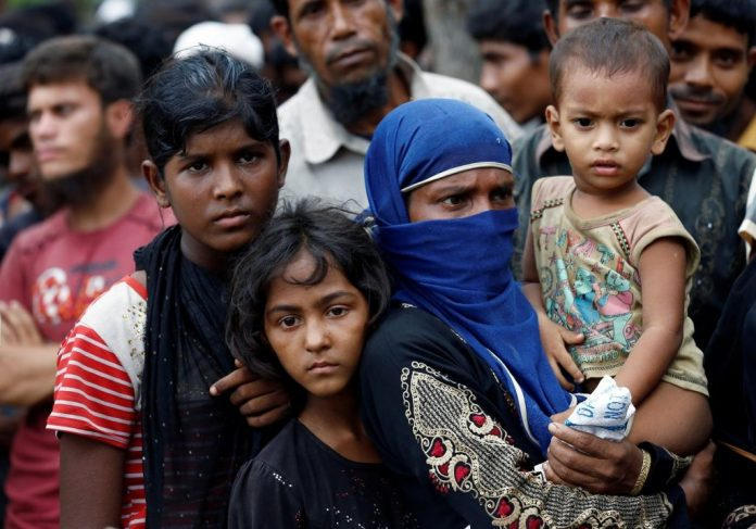 pakistani-bangladeshi-hindus-allowed-refuge-india-not-rohingyas