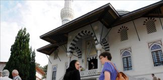 german-minister-suggests-recognizing-muslim-holidays