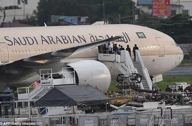 for-the-first-time-in-27-years-a-saudi-plane-lands-in-baghdad