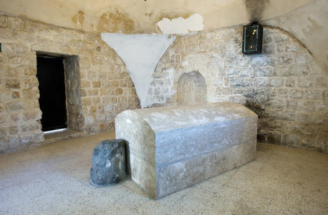 clashes-break-israeli-forces-palestinians-josephs-tomb