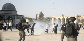 al-aqsa-subjected-40-attacks-month-2017