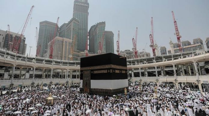 another-suicide-episode-makkah-bangladeshi-man-jumps-off-grand-mosques-roof