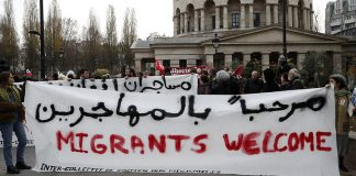 french-students-occupy-university-floor-demanding-amnesty-migrants