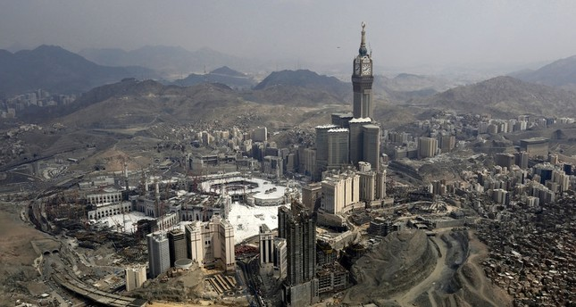 muslims-concerned-mecca-suffers-skyscrapers-loss-heritage