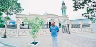 indian-christian-gifts-uae-workers-mosque-ramadan