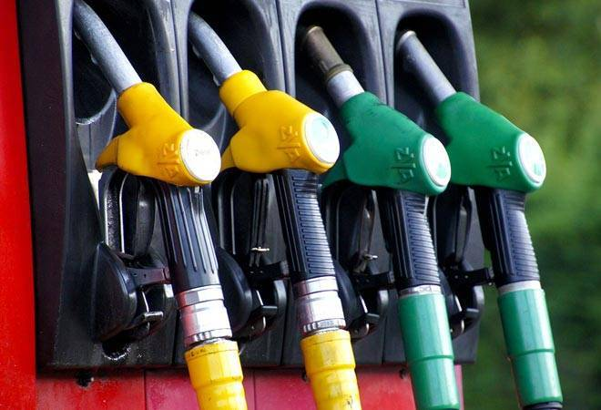 petrol-diesel-prices-may-slashed-rs-2-per-litre-chidambaram-believes-even-rs-25-cut-possible