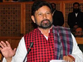 jammu-bjp-leader-lal-singh-threatens-kashmiri-journalists-shujaat-like-end