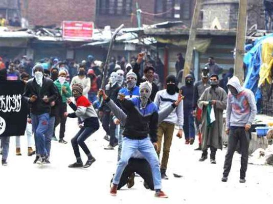 isis-ideological-presence-kashmir-police-chief