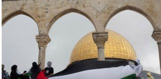 israeli-forces-storm-al-aqsa-compound-friday-prayers-shots-fired-videos