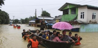 myanmar-tens-thousands-displaced-floods-wreak-havoc