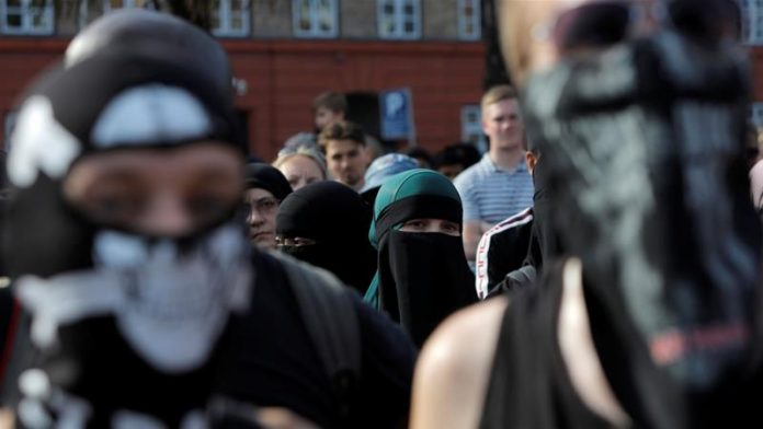 denmark-issues-first-face-veil-fine-tussle